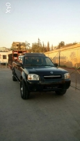 Pick up nissan frontier 4*4 for door