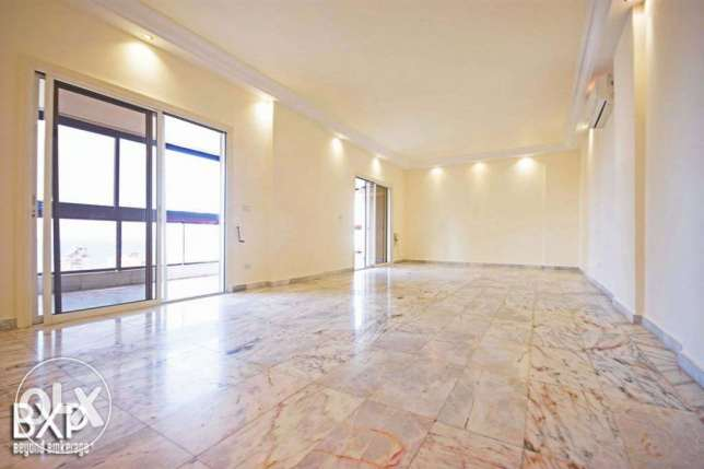 170 SQM Apartment for Rent in Beirut, Hamra AP5293 راس  بيروت -  2