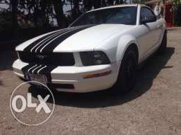 Convertible Ford Mustang 2005 Automatic White V6 4.0