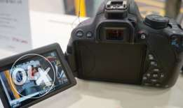 CANON 700D Professionel Camera with Lens 18-55 mm