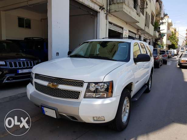 Chevrolet Tahoe Z71-Mod:2009-White-Comapny Source &Maintenance-85000Km