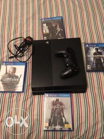 Ps4 For sale with 4 games