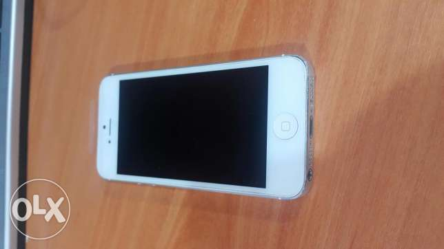 IPhone 5 16GB برج حمود -  5