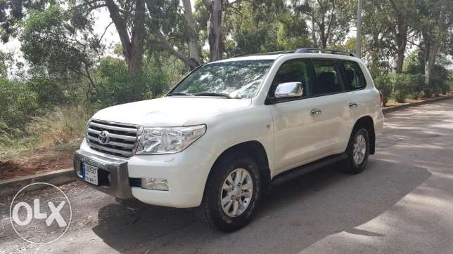 2008 land cruiser vx v8 شركة لبنان BUMC source excellent condition