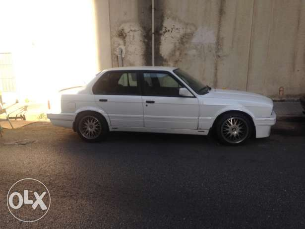 bmw 325i mod 1990 in very good condition for sale