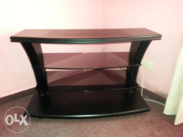 Wooden TV table with two glass shelves