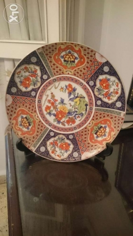 Very old ocer than 100 year Porcolan dish with design. صحن اثري قديم فردان -  1