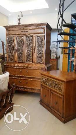 CANADIAN FURNITURE - Dresser With Night Table