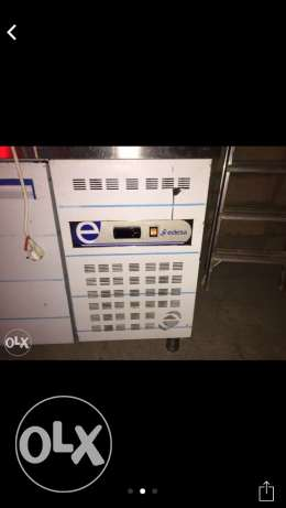 industrial brand new fridge used only 4 times for only 850$