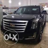 Cadillac Escalade 2015 luxury premium package .. just like new!