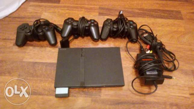 Ps2 for 100$ and 3 controllers with more then 50 free games