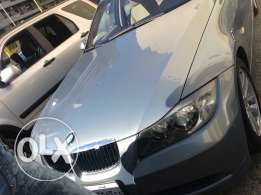BMW 320 year 2006 like New 80854 km contact me on my number