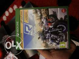Xbox one like new with 5 games and kineckt