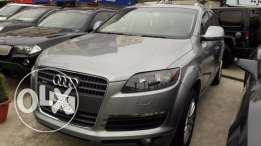 2008 AUDI Q7 3.6 QUATTRO PREM AWD - Gray/Black-Clean Carfax-California