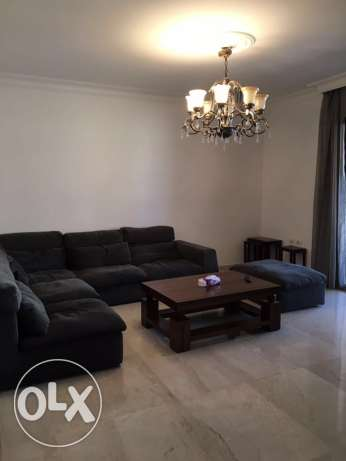 Ein Mrayseh: 220m apartment for rent