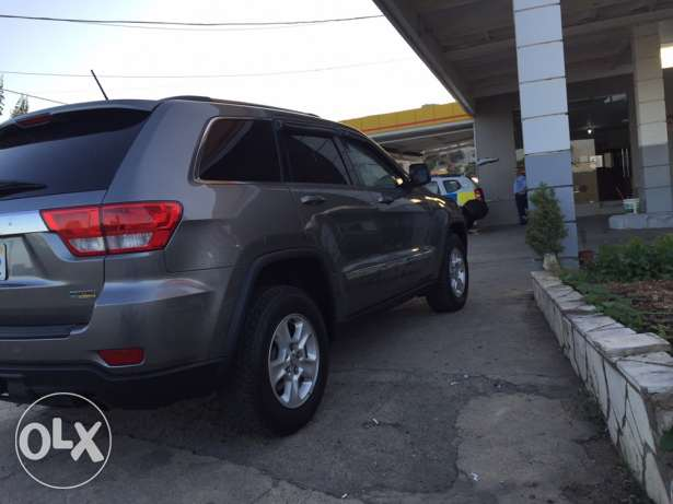 2012 extra clean grand Cherokee navigation plus rear view camera البترون -  7