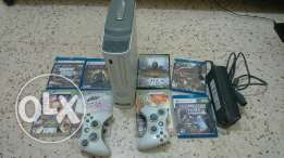 Xbox 360 with to many others cds for sale... It need the last version