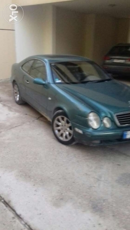 Mercedes clk320 good condition for sale or trade on 4 doors car