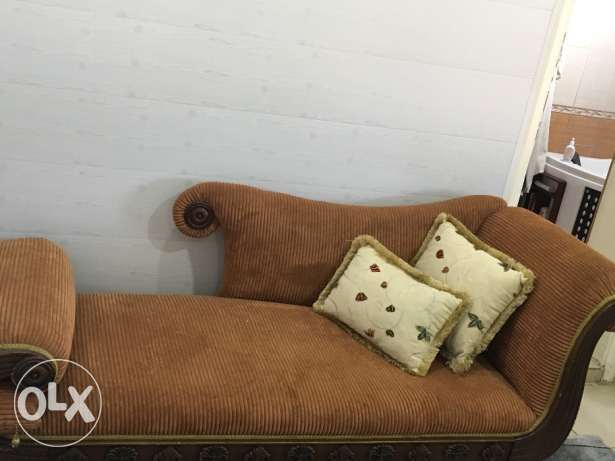 Antic couch