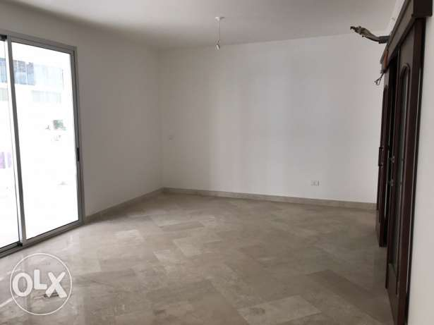 Apartment in New Building in Mar Elias for rent-شقة لليجار في مارالياس