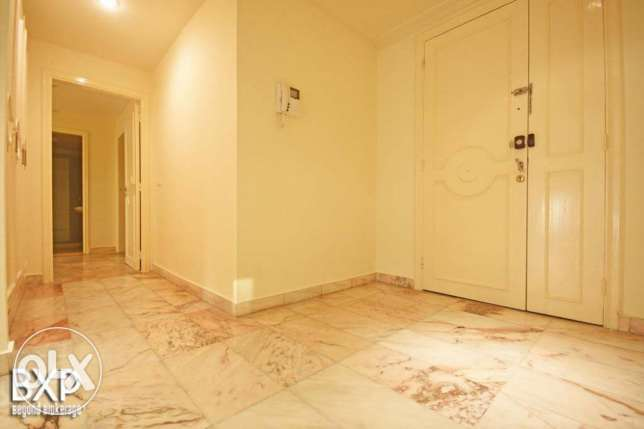 207 SQM Apartment for Sale in Beirut, Hamra AP5801