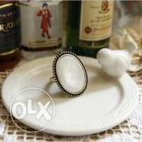 Retro White Ellipse Ring