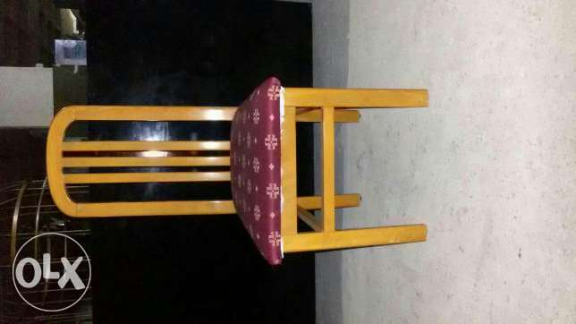 console +dresoire.dining table+8 chairs بقنايا -  2
