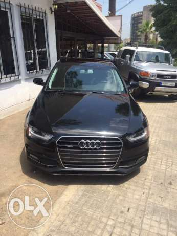 Audi A4 2014 black on black full opt. Clean carfax for sale.