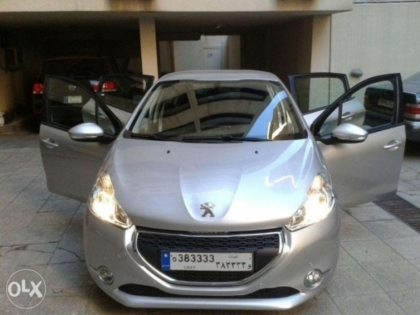 .Peugeot 208 Model 2013 Lebanese. Single Owner Excellent Cond.19000km راس  بيروت -  1