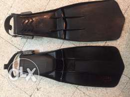 scuba diving fins. price is NOT negotiable