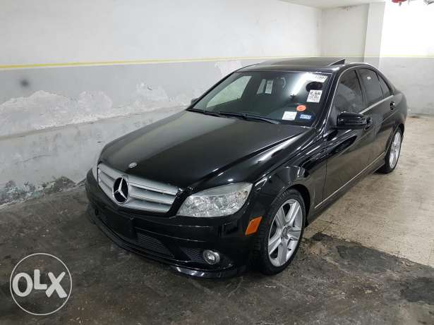 C300 black and black clean car fax look AMG new arrival خلدة -  2