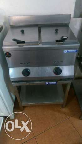 Brand new fryer made in china with a stainless stand مقلاة بطاطا صينية