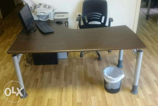 Desk Office with Chair راس  بيروت -  4