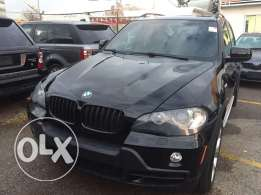 X5 2008 ,(4.8 is) sport package ,black on black ,clean carfax, Florida