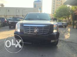 2008 Cadillac Escalade Clean carfax low mileage full options