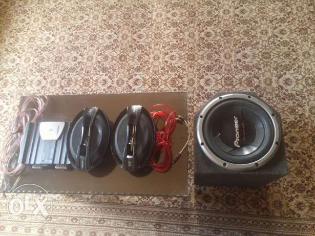 Car sound system with all cables and accesories