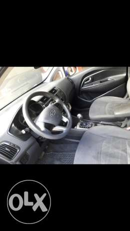 Kia rio heatch back mod 2012 full option . Central lock alarm power mi