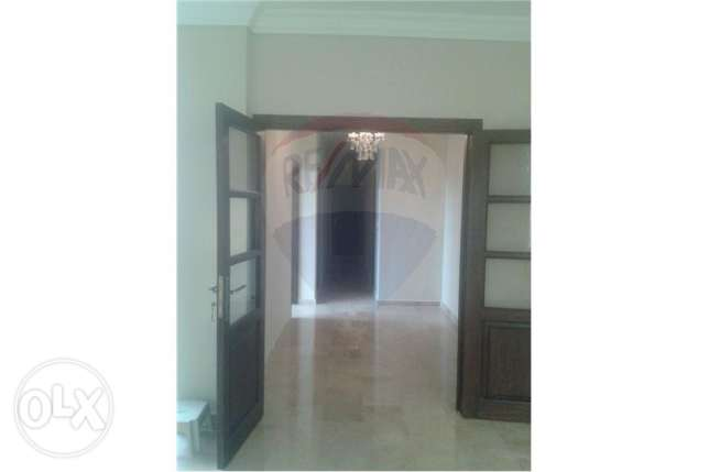 Apartment for sale in Mina, Al Courniche