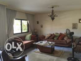 Batrakiyeh: 230m2 Apartment for sale