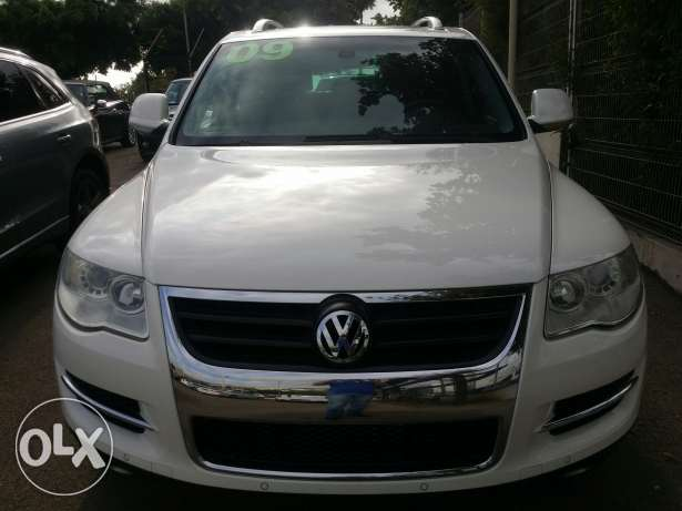 2009 VW Touareg White Black