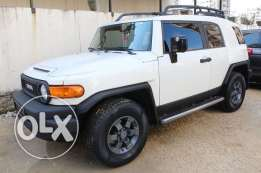 FJ Cruiser TRD white/blk model2009 4wd camera subwoofer new tires