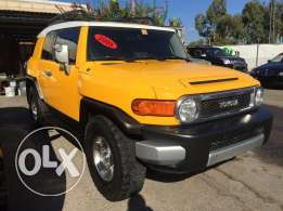 Fj Cruiser 2009 4×4 ,very low mileage, clean carfax, full options.