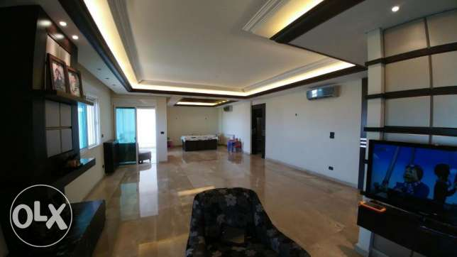 Zouk mikael 220m2- super luxurious-panoramic sea view-partly furnished كسروان -  5