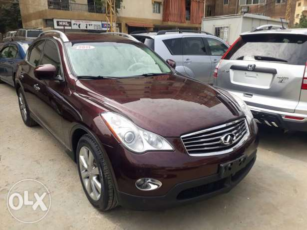 Infiniti EX35 technology 2011