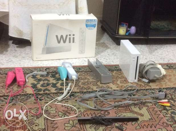 Nintendo Wii Console+Equipment+12 Games