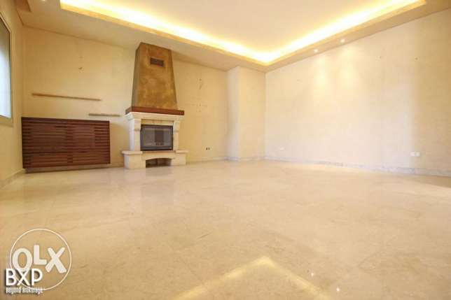 300 SQM Apartment for Rent in Baabda, New Mar Takla AP5821
