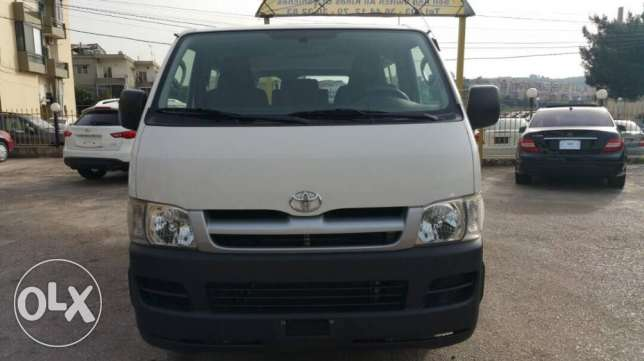 toyota hiace model 2007