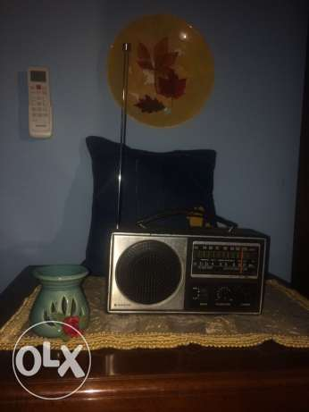 very old antique radio perfect quality got from paris
