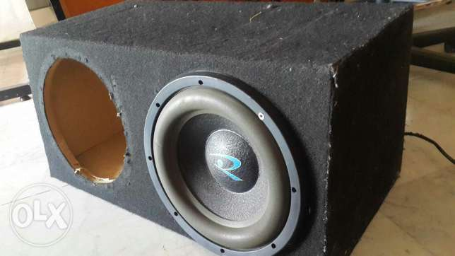Roadstar subwoofer with double socket box