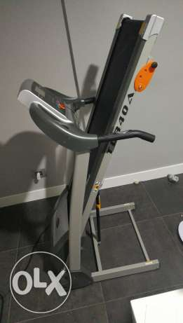 New treadmill used 2 times only cheap